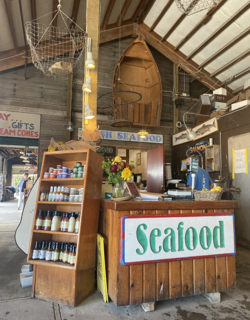 Snow Goose Produce in the Seattle area also offers fresh seafood