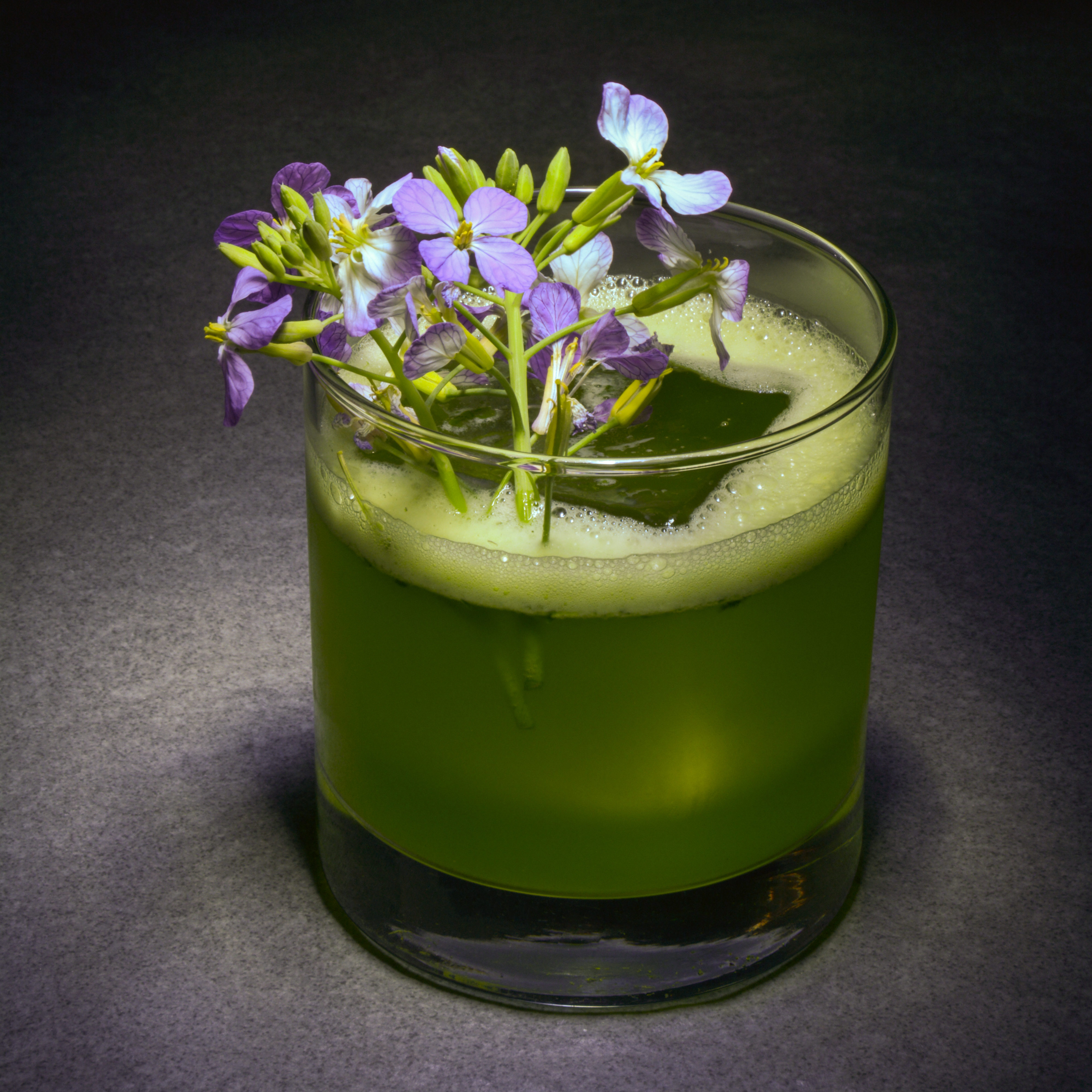 Gin and arugula cocktail